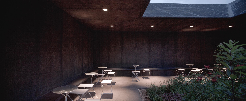 Serpentine-Gallery-Pavilion-arch.-Peter-Zumthor-London-UK-8
